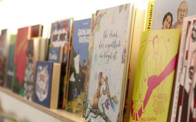 Wie sich ein Bücherregal auf die kindliche Entwicklung auswirkt